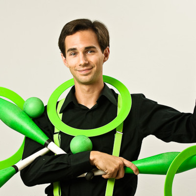 Juggler Michael Karas