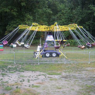 Cyclone Swing Ride